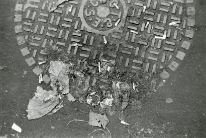 Walker Evans - Debris on a Manhole Cover, New York, 1968 | Bruce Silverstein Gallery
