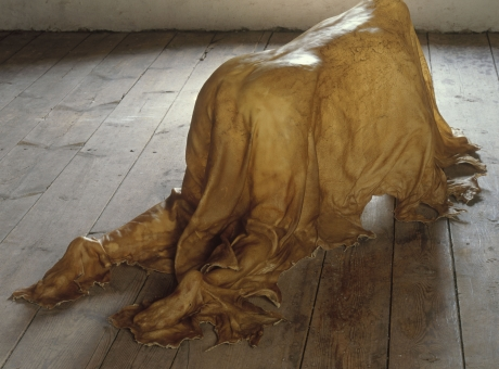 """Janine Antoni in """"Like Life: Sculpture, Color, and the Body (1300–Now)"""""""
