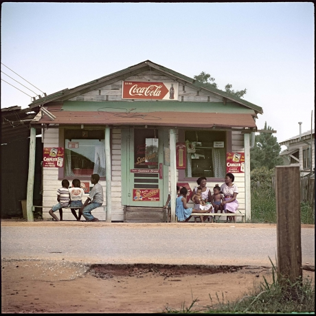 """""""Review: Photographer Gordon Parks told """"Segregation Story"""" in his own way, and superbly, at High"""""""
