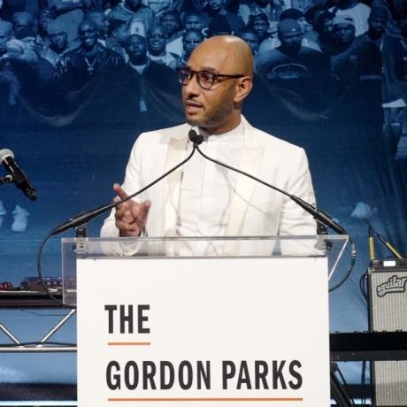 GORDON PARKS FOUNDATION'S ANNUAL GALA BRINGS BIG NAMES TO MIDTOWN