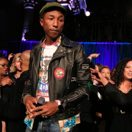 """Usher, Pharrell, And De Niro Celebrate The Gordon Parks Foundation"""