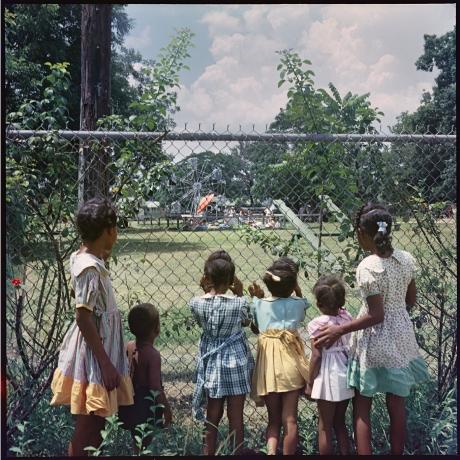 'Visually dynamic' segregation-era shots by renowned photographer Gordon Parks in Mount Dora display