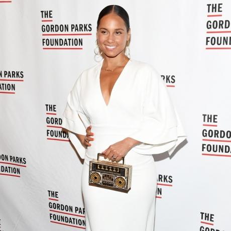 Alicia Keys poses at The Gordon Parks Foundation's Annual Awards Dinner