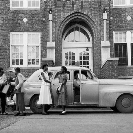 """Gordon Parks' Pre-Civil Rights Photos Poignantly Document Victims of Segregation"""