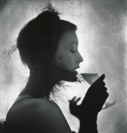 Irving Penn, Girl Drinking (Mary Jane Russell), 1949, HOward Greenberg gallery, 2019