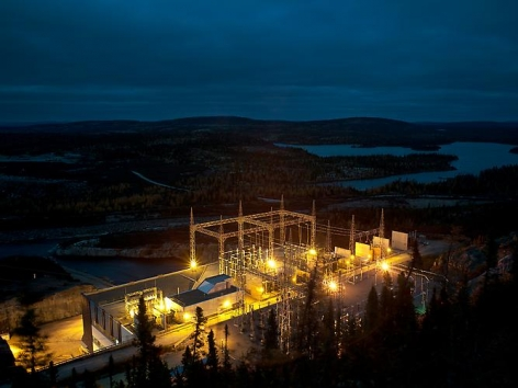 THOMAS KNEUBÜHLER   POWER STATION   UNDER CURRENTS   DURATRANSPARENCY IN CUSTOM LIGHT BOX   2011