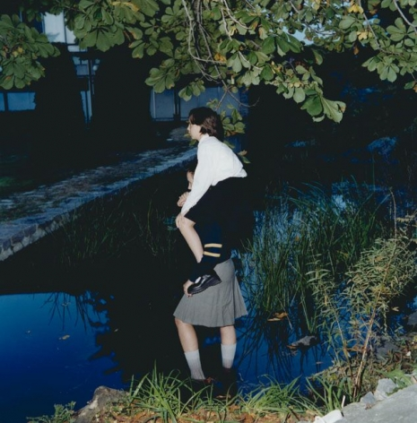 ÈVE K. TREMBLAY | LA REINE DES AULNES | ÉPREUVE CHROMOGÈNE | 30 X 30 POUCES | 2000
