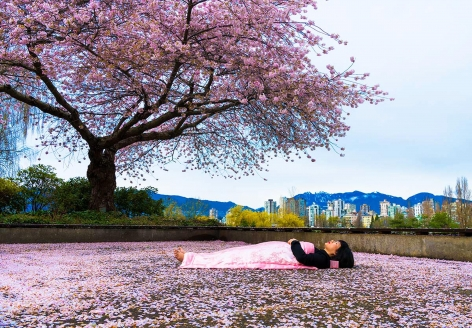 CHUN HUA CATHERINE DONG | I HAVE BEEN THERE - VANCOUVER| PERFORMANCE AND PHOTOGRAPH| 30 x 45 INCHES |2018,