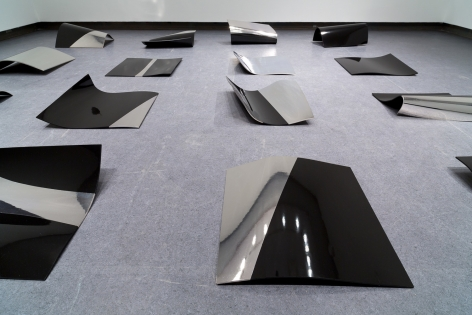 ANDREW WRIGHT | VIZ |SILVER ON WOOD AND HIGH DENSITY LAMINATE |DIMENSIONS VARIABLE (EACH PANEL APPROX. 60 X 60 CM) | 2015