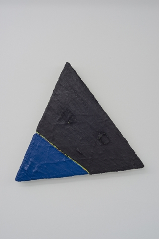 PAUL BUREAU | OUT OF SHAPE (BLACK/BLUE) TRIANGLE | OIL PAINT AND OIL PASTEL ON CANVAS | 25,5X 29,5 INCHES | 2014