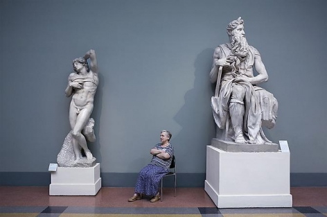 Andy Freeberg, Michelangelo's Moses and The Dying Slave, Pushkin State Museum of Fine Arts, 2008