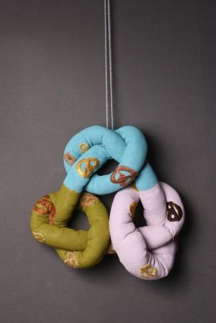 Lisa Walker, New Zealand contemporary jewelry, Marzee, necklace