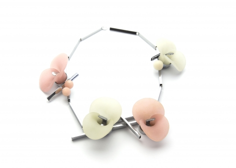 Katja Prins, necklace, Offspring, Dutch contemporary jewelry, silver, plastic