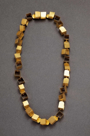 Dorothee Striffler, German, gold, chain, necklace, contemporary jewelry