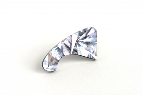 Jiro Kamata, mother of pearl, brooch
