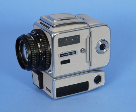 """Hasseblad 500 EL/M """"Moon Camera"""" with gray body with matching waist level finder and back."""
