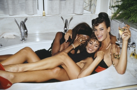 Roxanne Lowit- Three Models in a Tub