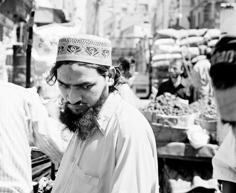 Leo Rubinfien-  Karachi, in Motan Das Market