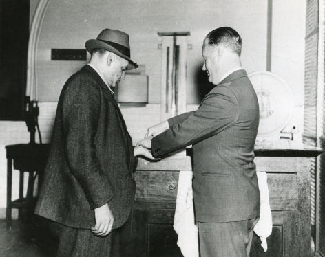 Weegee- Arthur Fellig Demonstrates How New York Police Operate