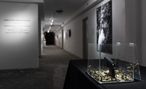 GUNS IN THE HANDS OF ARTISTS ||| Miami Project Art Fair