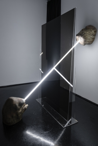 Andy Harding, Contemporaneity of Two Moments (self portrait), 2021