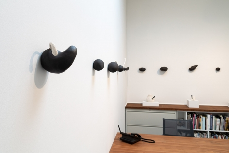 """Maya Vivas - selections from """"i have no choice but to suck the juice out, and who am i to blame"""" - July/August 2019 - Russo Lee Gallery - Installation view 012"""