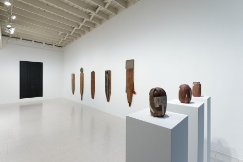 Gina Wilson - teeter taught her - September 2–October 2, 2021 - Russo Lee Gallery - Installation View 03
