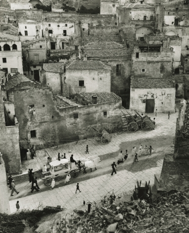 "David Seymour ""Chim"" - Funeral Procession for Child, Matera, Italy, 1948 - Howard Greenberg Gallery"