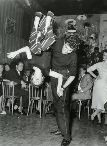 Roberto Spampinato - Dancing Santa Tecla Be-Bop, Milano, 1954 - Howard Greenberg Gallery - 2018
