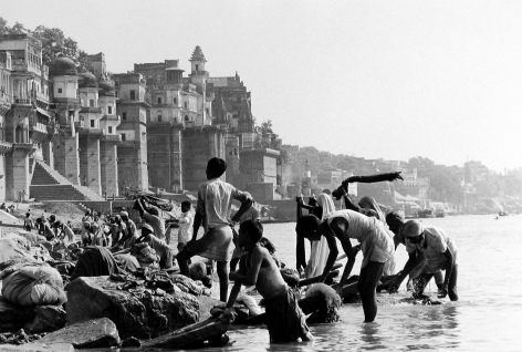 Sacred Sight: Photographs in India 2009 Howard Greenberg Gallery