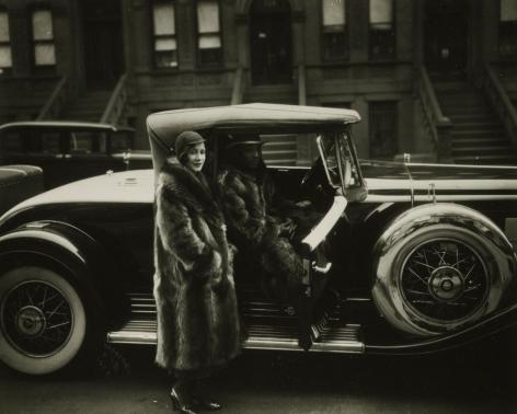 James Van Der Zee - Couple in Racoon Coats, 1932 - Howard Greenberg Gallery