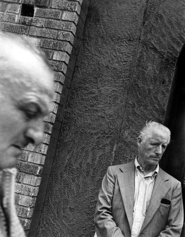 Leon Levinstein: Living in the Edge 2010 Howard Greenberg Gallery