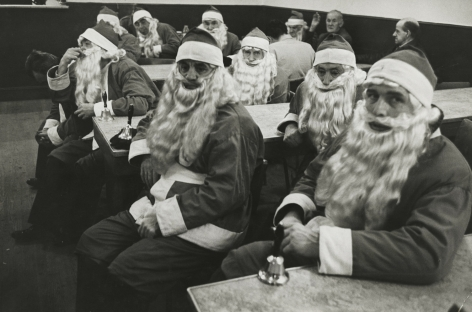 Dennis Stock - School for Santas, New York, 1961 - Howard Greenberg Gallery