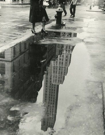 Bedrich Grunzweig - April Shower, 1951 - Howard Greenberg Gallery