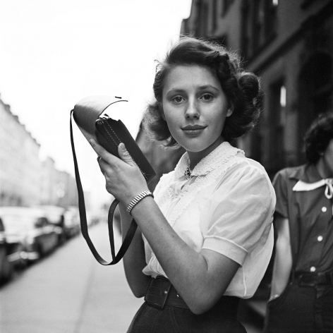 Vivian Maier - New York, NY, c.1950 - Howard Greenberg Gallery