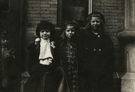 Lewis Hine - Newsgirls waiting for paper, New Haven, Connecticut  March, 1909 - Howard Greenberg Gallery