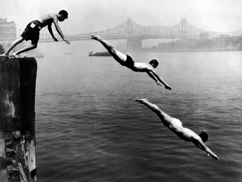 Arthur Leipzig - Divers, East River, 1948 - Howard Greenberg Gallery