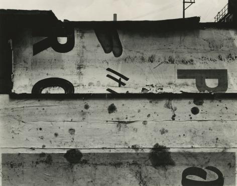 Aaron Siskind - St. Louis 9, 1953 - Howard Greenberg Gallery