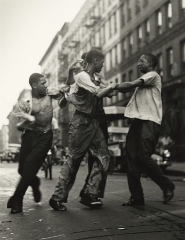 Gordon Parks - Untitled, Harlem, New York, 1948 - Howard Greenberg Gallery