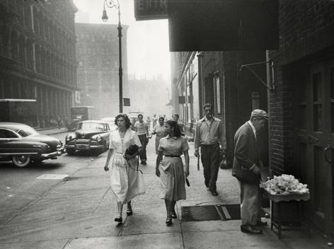 Robert Frank - 11th Street, 1951 - Howard Greenberg Gallery
