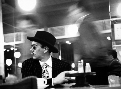 Ted Croner - Sharpie in Cafeteria, c.1946 - Howard Greenberg Gallery