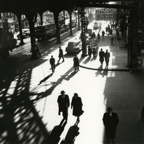 Bedrich Grunzweig - Third Avenue El, 42nd Street, 1951 - Howard Greenberg Gallery