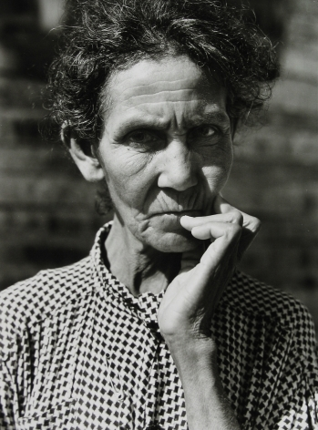 Jack Delano - A farmer laborer's widow living on a Farm Security Administration project near Manati, 1941 - Howard Greenberg Gallery