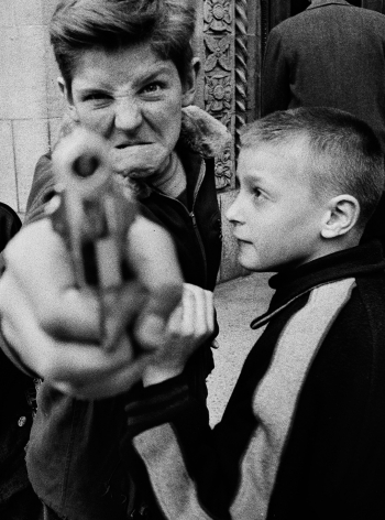 William Klein - Gun 1, New York, 1955 - Howard Greenberg Gallery