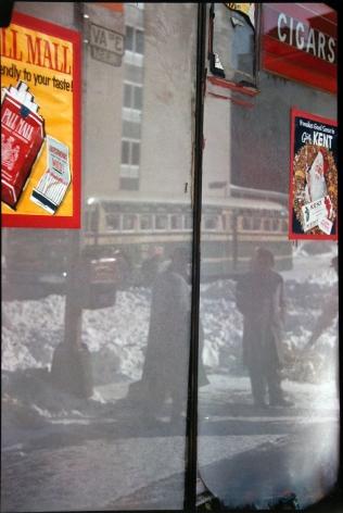 Saul Leiter - Snow Scene, 1960 - Howard Greenberg Gallery - 2018