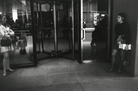 Gary Winogrand - Untitled - Howard Greenberg Gallery