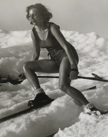 Beyond Words: Photography in the New Yorker 2011 Howard Greenberg Gallery
