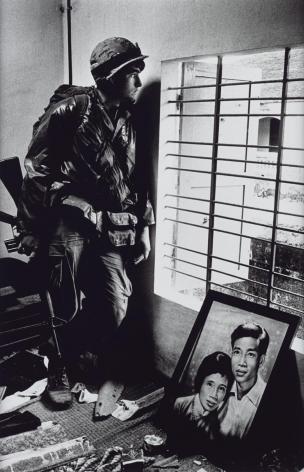 Don McCullin, Battle for the City of Hue (US Marine inside civilian house), 1968, Howard Greenberg Gallery, 2019