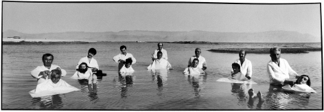 Frédéric Brenner: Exile at Home - Former Tajik Barbers, with Their Israeli Customers, 1997 - Howard Greenberg Gallery