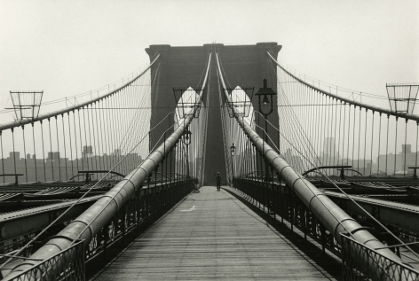 Bedrich Grunzweig - Brooklyn Bridge, seen from Manhattan, 1963 - Howard Greenberg Gallery